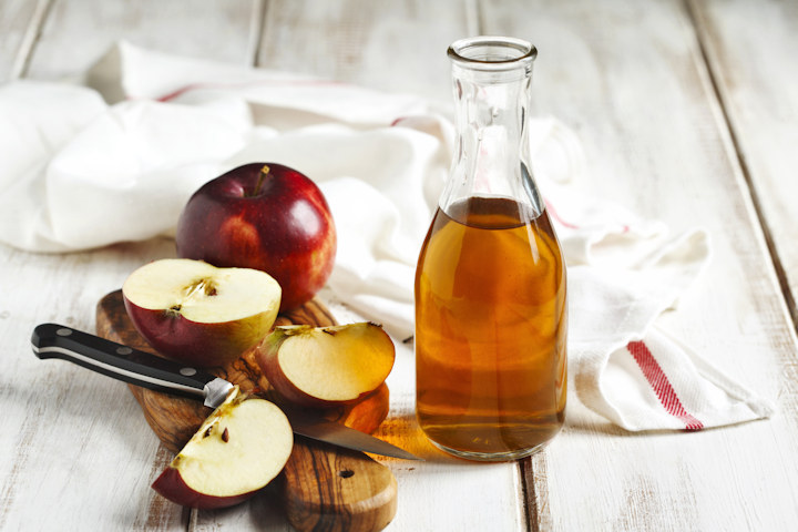 12 Surprising Ways to Use Apple Cider Vinegar at Home