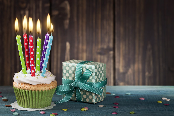 Inexpensive Ways to Have a Birthday Party for Adults