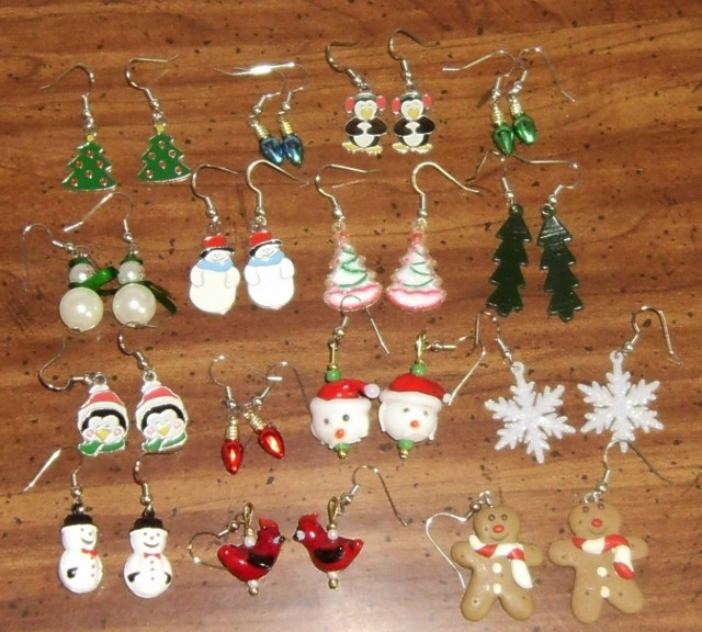 Want to Barter for Christmas Gifts????-christmas-earrings-640x576-.jpg