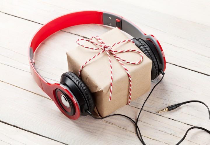Do You Have A Favorite Christmas Song?-christmas-music.jpg