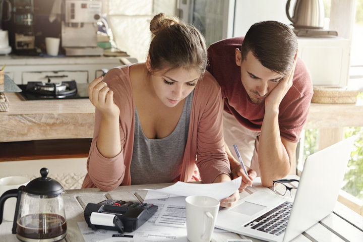 The Pros and Cons of Joint Finances for Couples