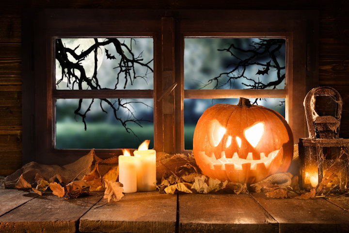 Frugal Tips for Throwing a Halloween Party