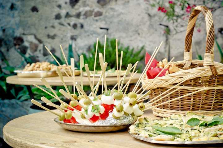 Inexpensive Party Food Ideas to Feed a Crowd