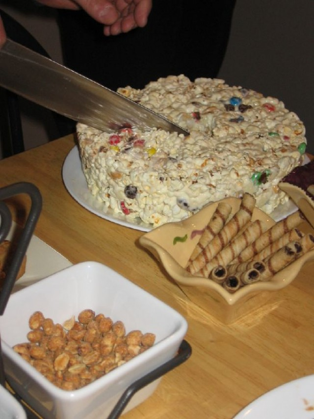 popcorn-cake