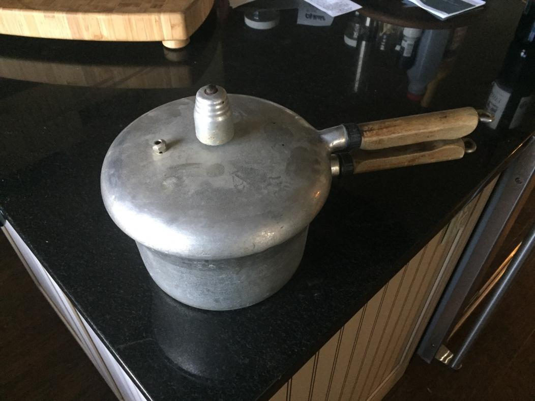 Need help identifying old pressure cooker-pressure-cooker-1.jpg