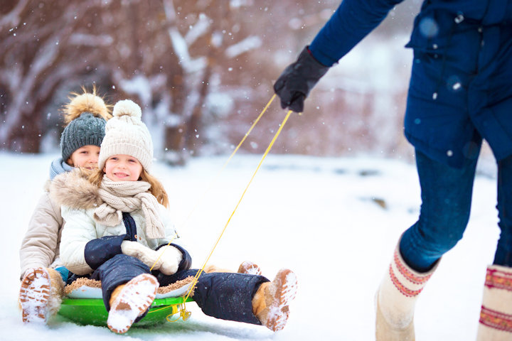 Frugal Tips for Winter Activities the Whole Family Will Love