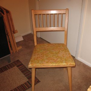 Craigslist $85.00 table - chair that goes with set.
